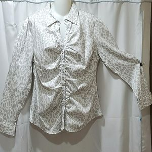 New York and Co. NWT long sleeve button up blouse